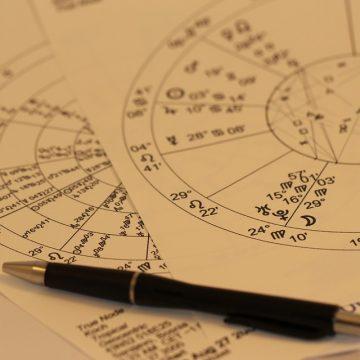 Diferencias de predicción entre el horóscopo diario y semanal
